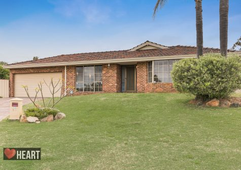 13 Lakeview Place BIBRA LAKE WA 6163