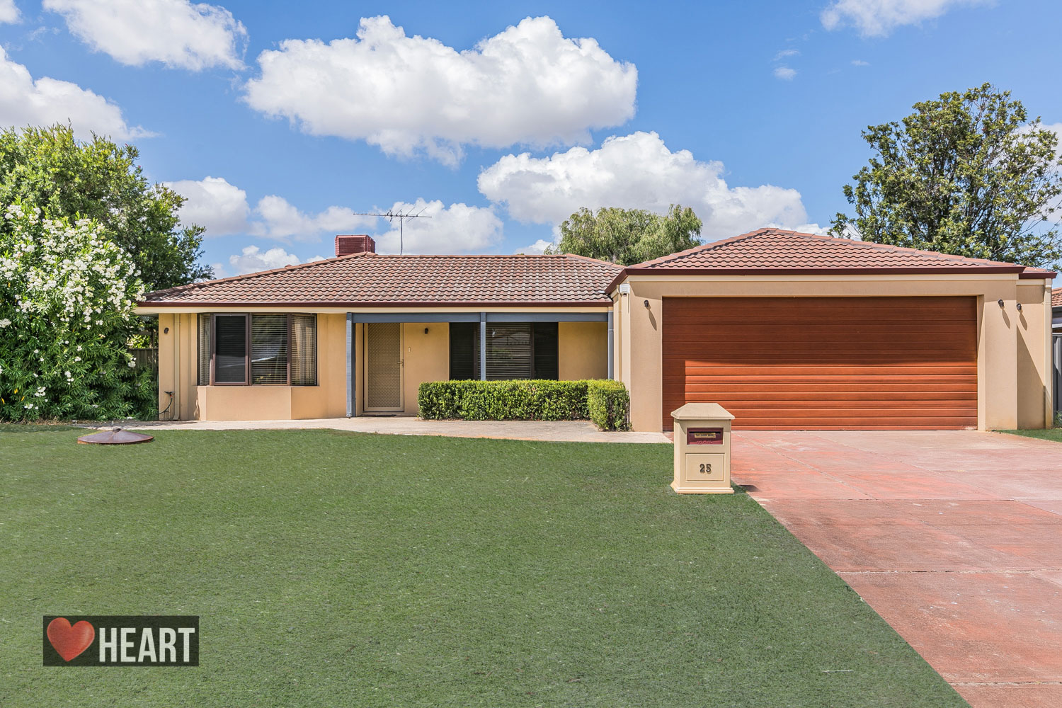 25 Marlene Way BIBRA LAKE WA 6163