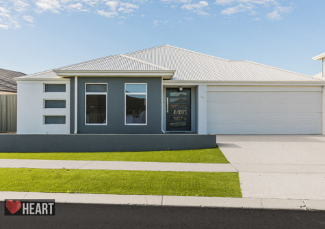 8 Wycliffe Turn PIARA WATERS WA 6112